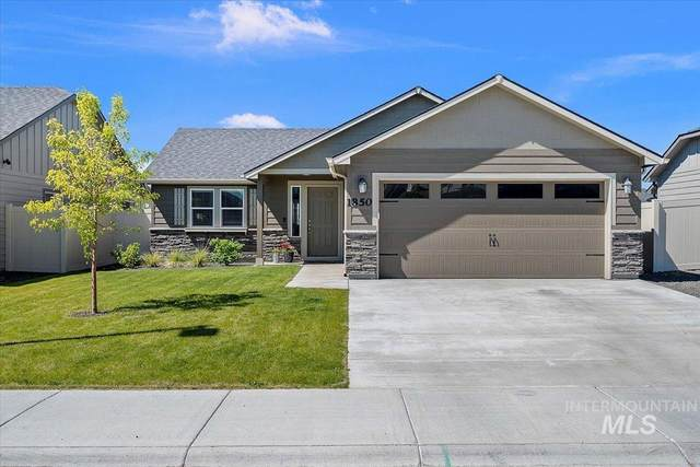 1850 E Cave Falls, Kuna, ID 83634 (MLS #98807510) :: Team One Group Real Estate