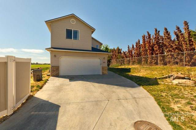 421 W Palmer Dr, Nampa, ID 83686 (MLS #98807562) :: Story Real Estate