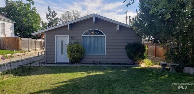 221 14th Avenue N, Buhl, ID 83316 (MLS #98807689) :: Boise River Realty