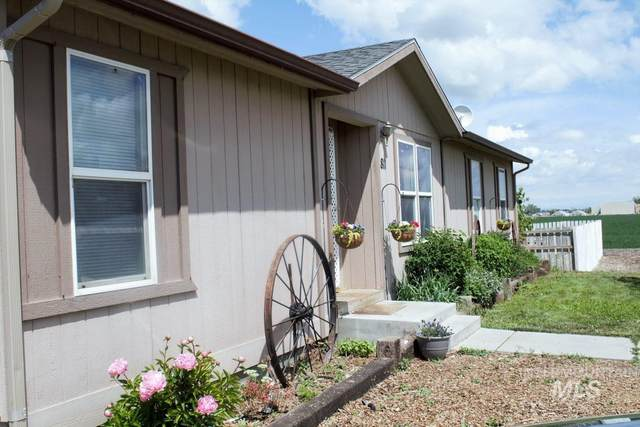 811 N 5th St, Nyssa, OR 97913 (MLS #98807707) :: Team One Group Real Estate