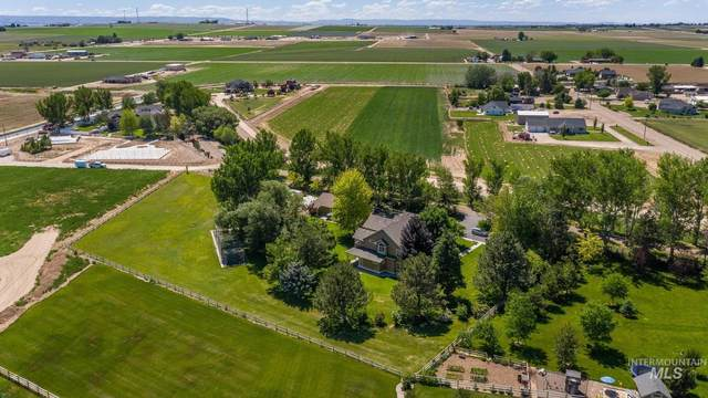 12613 Smith Avenue, Nampa, ID 83651 (MLS #98807710) :: New View Team