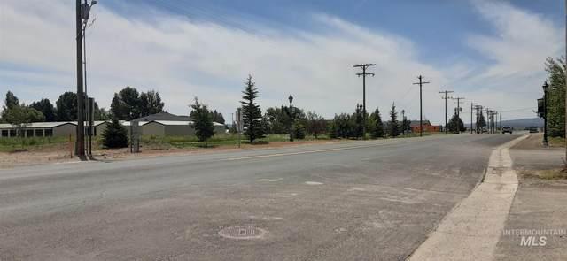 300 Soldier Road, Fairfield, ID 83327 (MLS #98807723) :: Epic Realty