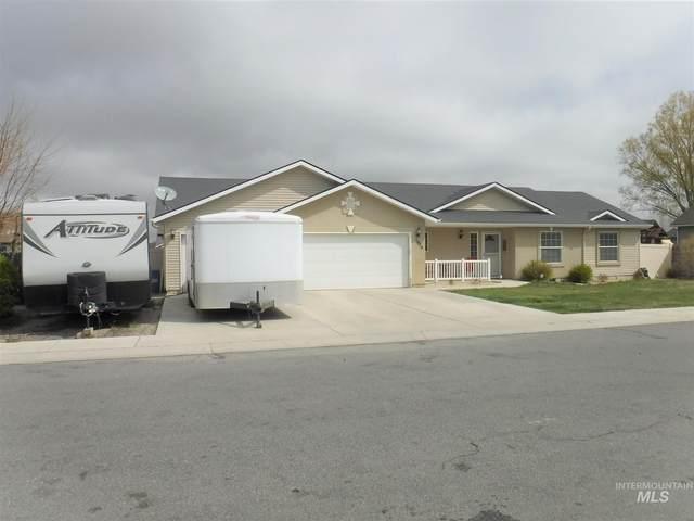 1014 Lauren Lane, Filer, ID 83328 (MLS #98807792) :: Boise River Realty