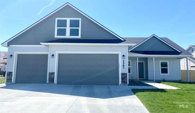 161 S Fuji Ave, Emmett, ID 83617 (MLS #98807970) :: Build Idaho