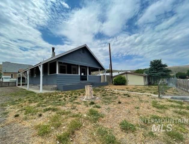 90 E Jefferson, Huntington, OR 97907 (MLS #98808135) :: Bafundi Real Estate