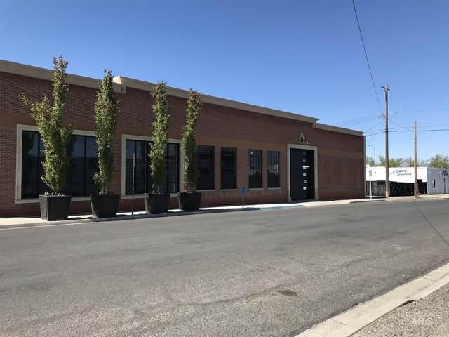 248 S Idaho Street, Twin Falls, ID 83301 (MLS #98808142) :: Full Sail Real Estate