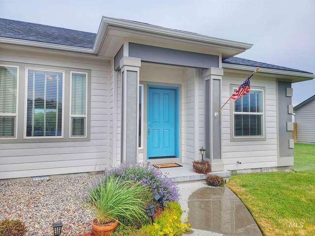 1820 SW Silverstone, Mountain Home, ID 83647 (MLS #98808229) :: Jon Gosche Real Estate, LLC