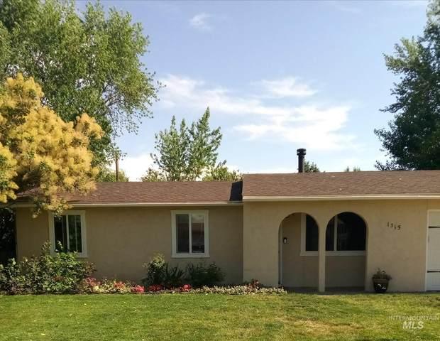 1315 Park Street, Emmett, ID 83617 (MLS #98808296) :: Build Idaho