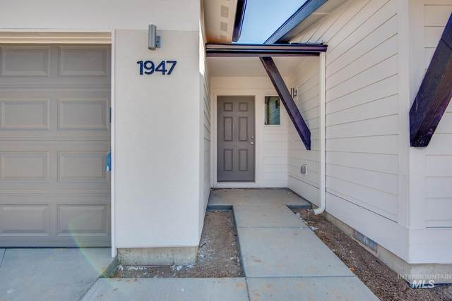 11677 W Mountain Iris St., Star, ID 83669 (MLS #98808362) :: Bafundi Real Estate
