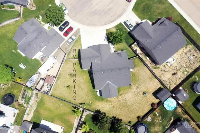 3916 Kirby Circle, Caldwell, ID 83607 (MLS #98808478) :: Bafundi Real Estate