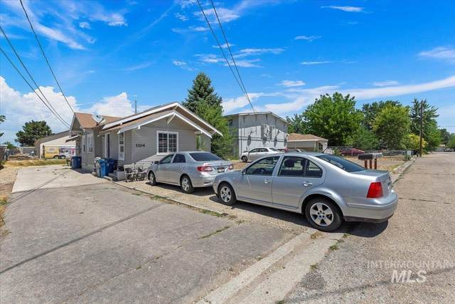 1104 Willow Ave, Nampa, ID 83651 (MLS #98809161) :: City of Trees Real Estate