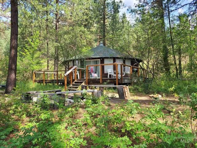 1 Hidden Way, Lowman, ID 83637 (MLS #98809543) :: Boise Home Pros