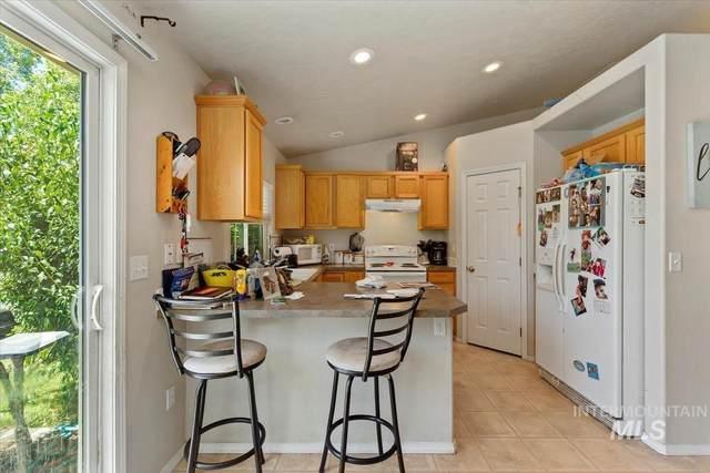 2103 N Cougar Way, Meridian, ID 83646 (MLS #98809852) :: City of Trees Real Estate