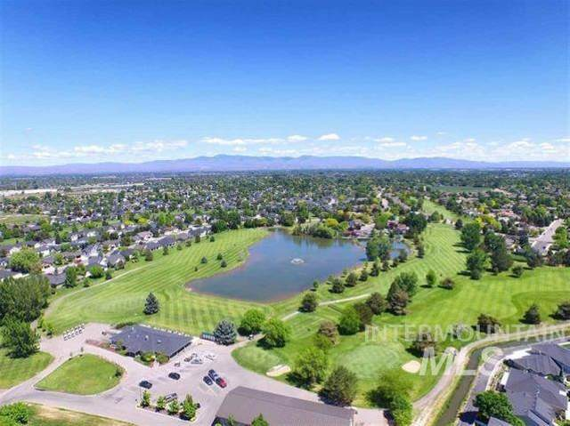 2137 N Turnberry Way, Meridian, ID 83646 (MLS #98810358) :: Idaho Life Real Estate