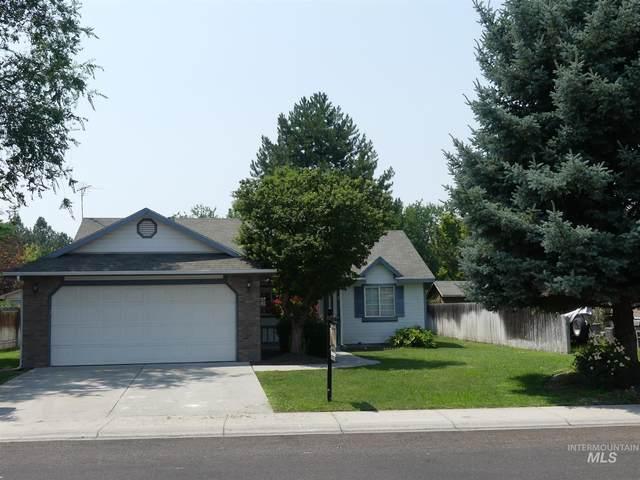 1025 S Bonneville, Nampa, ID 83686 (MLS #98810697) :: Bafundi Real Estate