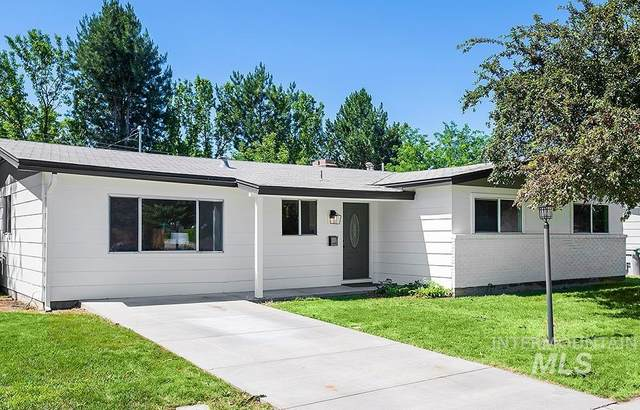 7521 W Maxwell Dr, Boise, ID 83704 (MLS #98810904) :: Team One Group Real Estate