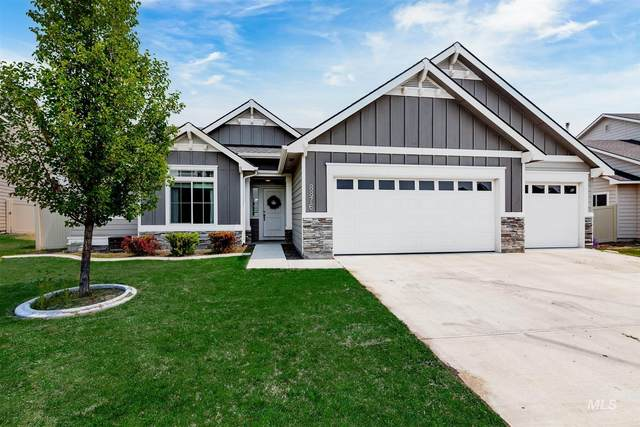 8876 S Pinova Ave, Kuna, ID 83634 (MLS #98811100) :: Story Real Estate