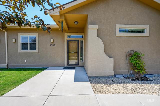 1849 E Horse Creek Ct., Meridian, ID 83642 (MLS #98811261) :: First Service Group