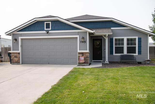 795 SW Miner, Mountain Home, ID 83647 (MLS #98811349) :: Boise Home Pros