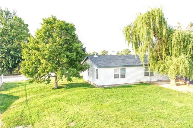 2451 Pine Ave, Payette, ID 83661 (MLS #98811670) :: Bafundi Real Estate