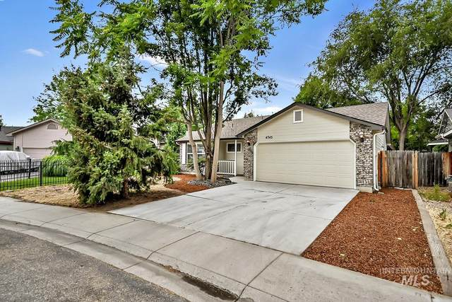 4745 N Cengotita Ave, Boise, ID 83703 (MLS #98811859) :: City of Trees Real Estate