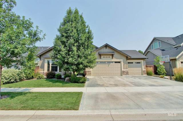 960 W Kingsley Dr, Meridian, ID 83646 (MLS #98812106) :: Jon Gosche Real Estate, LLC