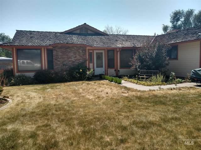 1304 N 6th East, Mountain Home, ID 83647 (MLS #98812254) :: Jon Gosche Real Estate, LLC