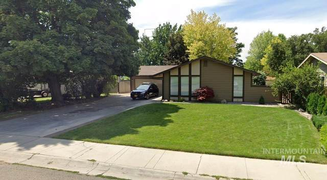 2389 S Eagleson Rd, Boise, ID 83705 (MLS #98812274) :: City of Trees Real Estate