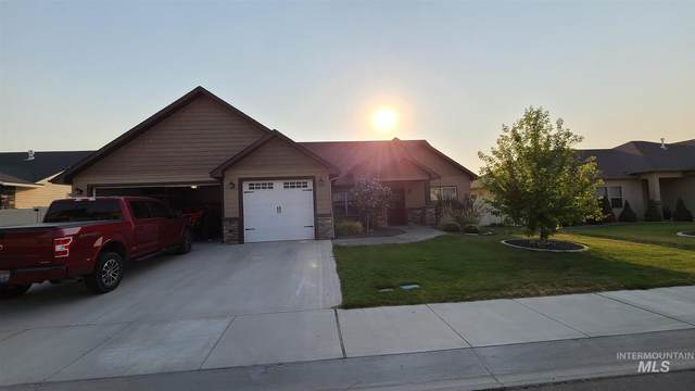 2043 Prospector Way, Twin Falls, ID 83301 (MLS #98812315) :: Team One Group Real Estate