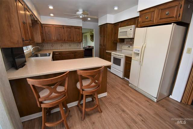 1605 Vineyard Drive, Lewiston, ID 83501 (MLS #98812474) :: Epic Realty