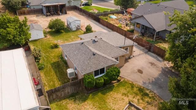 9523 N Sunflower Ln, Boise, ID 83704 (MLS #98812564) :: Build Idaho