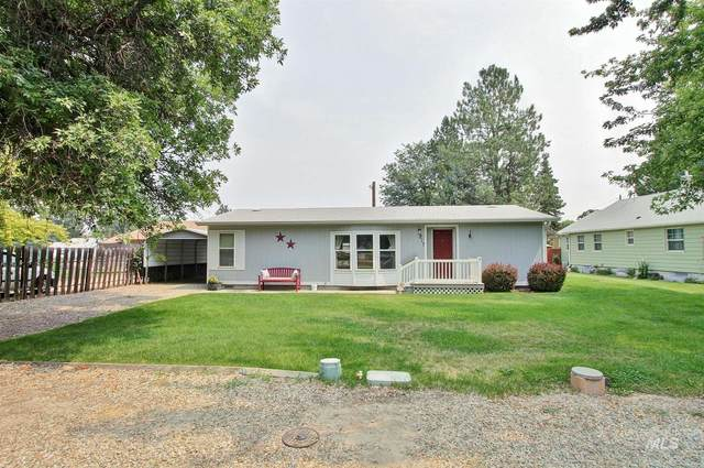 217 S West Boulevard, New Plymouth, ID 83655 (MLS #98812646) :: The Bean Team