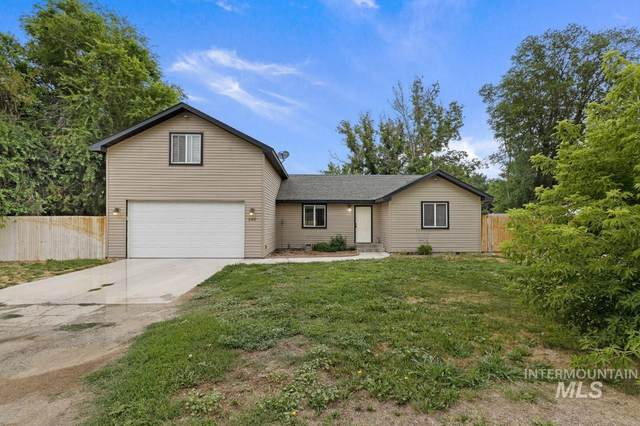 540 3rd Ave E, Wendell, ID 83355 (MLS #98812667) :: Hessing Group Real Estate