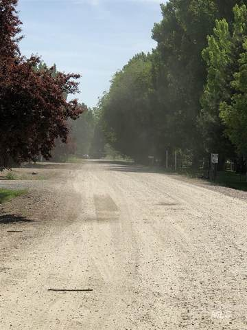 2377 Lower Pond Lane, Homedale, ID 83628 (MLS #98812691) :: The Bean Team