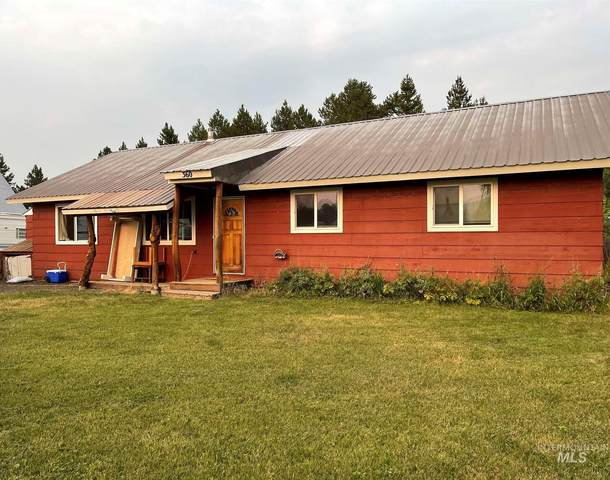 360 Halferty St, Donnelly, ID 83615 (MLS #98812738) :: Team One Group Real Estate