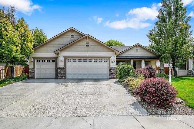2317 W Sherman Ave, Nampa, ID 83686 (MLS #98812743) :: Bafundi Real Estate