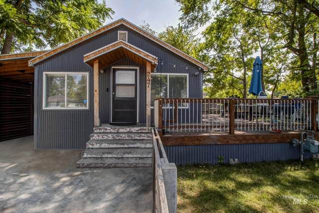 247 Young Ave, Nampa, ID 83651 (MLS #98812980) :: Epic Realty