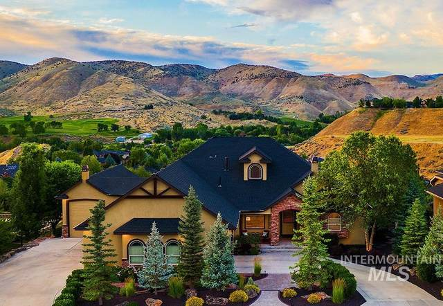 2294 W Winter Camp Dr, Boise, ID 83703 (MLS #98813029) :: City of Trees Real Estate