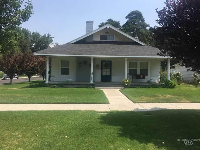 228 8th Ave N, Buhl, ID 83316 (MLS #98813094) :: Boise Home Pros