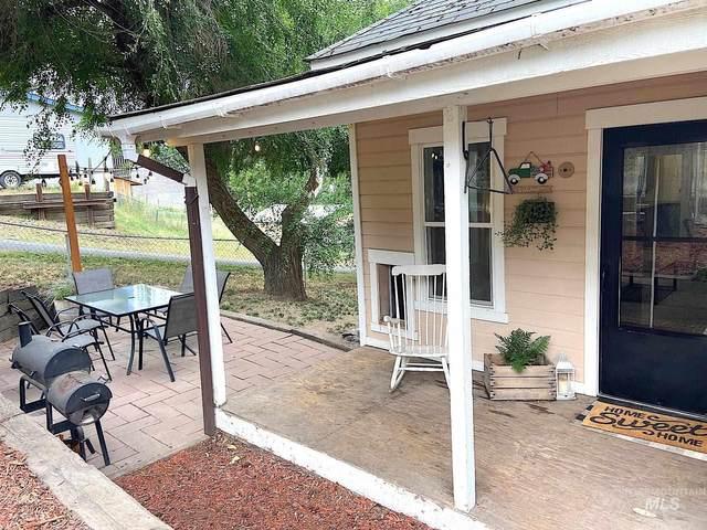 810 Cedar St, Potlatch, ID 83855 (MLS #98813169) :: Story Real Estate