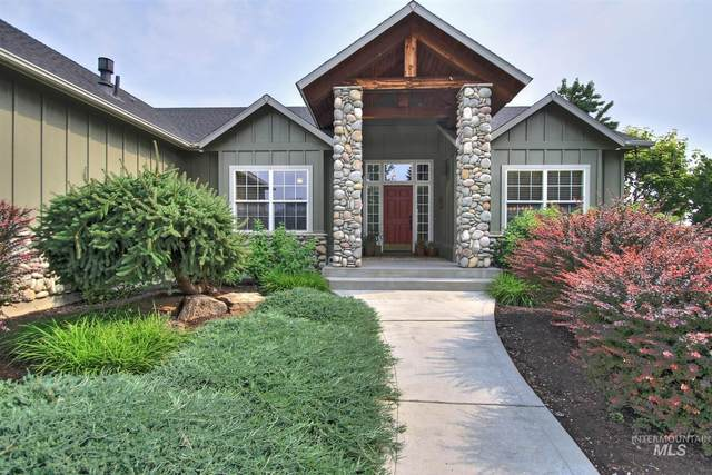 594 W Gray Fox Ct, Meridian, ID 83646 (MLS #98813171) :: Full Sail Real Estate