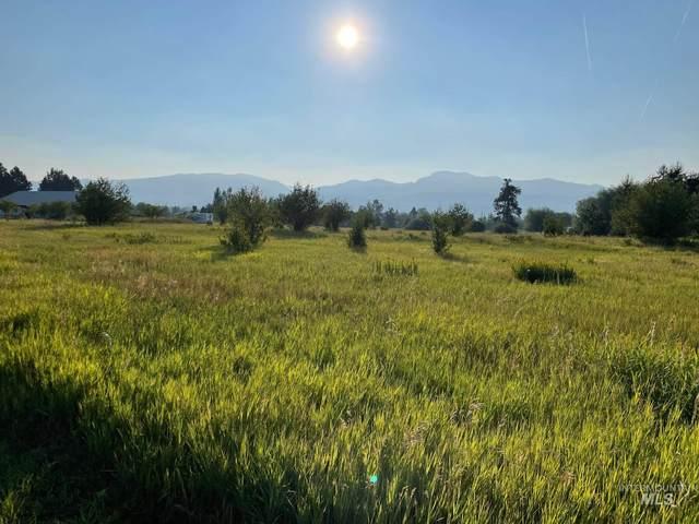 13958 Turner, Mccall, ID 83638 (MLS #98813292) :: Idaho Life Real Estate