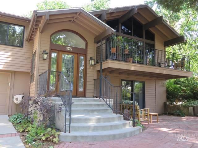2114 S Rockridge Way, Boise, ID 83712 (MLS #98813345) :: Bafundi Real Estate