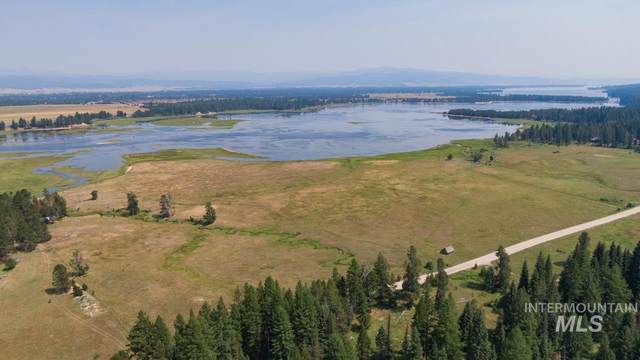 2570 West Mountain Rd, Donnelly, ID 83615 (MLS #98813389) :: Own Boise Real Estate