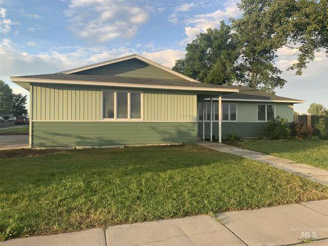 1401 14th Avenue West, Gooding, ID 83330 (MLS #98813403) :: Boise Home Pros