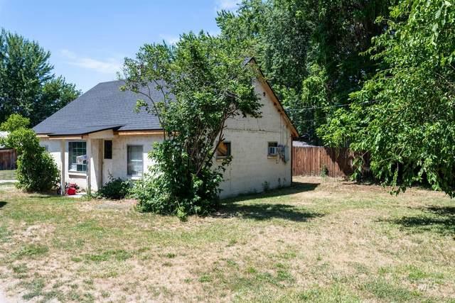436 Monroe St, Emmett, ID 83617 (MLS #98813460) :: Idaho Life Real Estate
