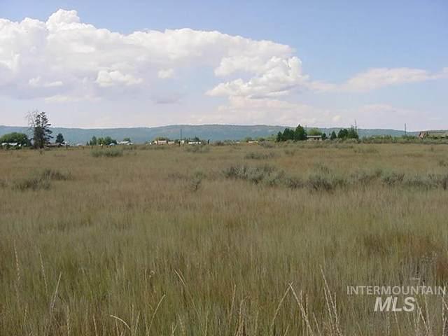 13963 Wrangler, Mccall, ID 83638 (MLS #98813481) :: Idaho Life Real Estate