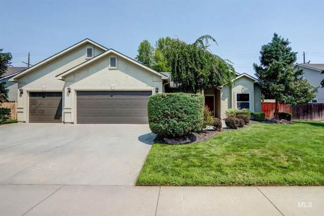 2234 W Pebblestone Street, Meridian, ID 83646 (MLS #98813542) :: Bafundi Real Estate