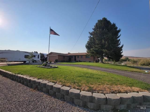 80 E 5th Ave, Glenns Ferry, ID 83623 (MLS #98813652) :: Jon Gosche Real Estate, LLC