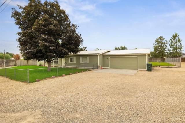 930 W Avalon St, Kuna, ID 83634 (MLS #98813726) :: Jon Gosche Real Estate, LLC